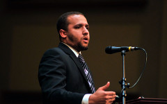 MAC Scholars Celebrate Achievement with Acclaimed Journalist