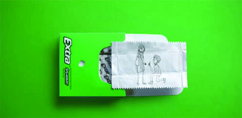 Extra gum, the famous gum brand, recently released an advertisement regarded as touching and beautiful for many students and parents.