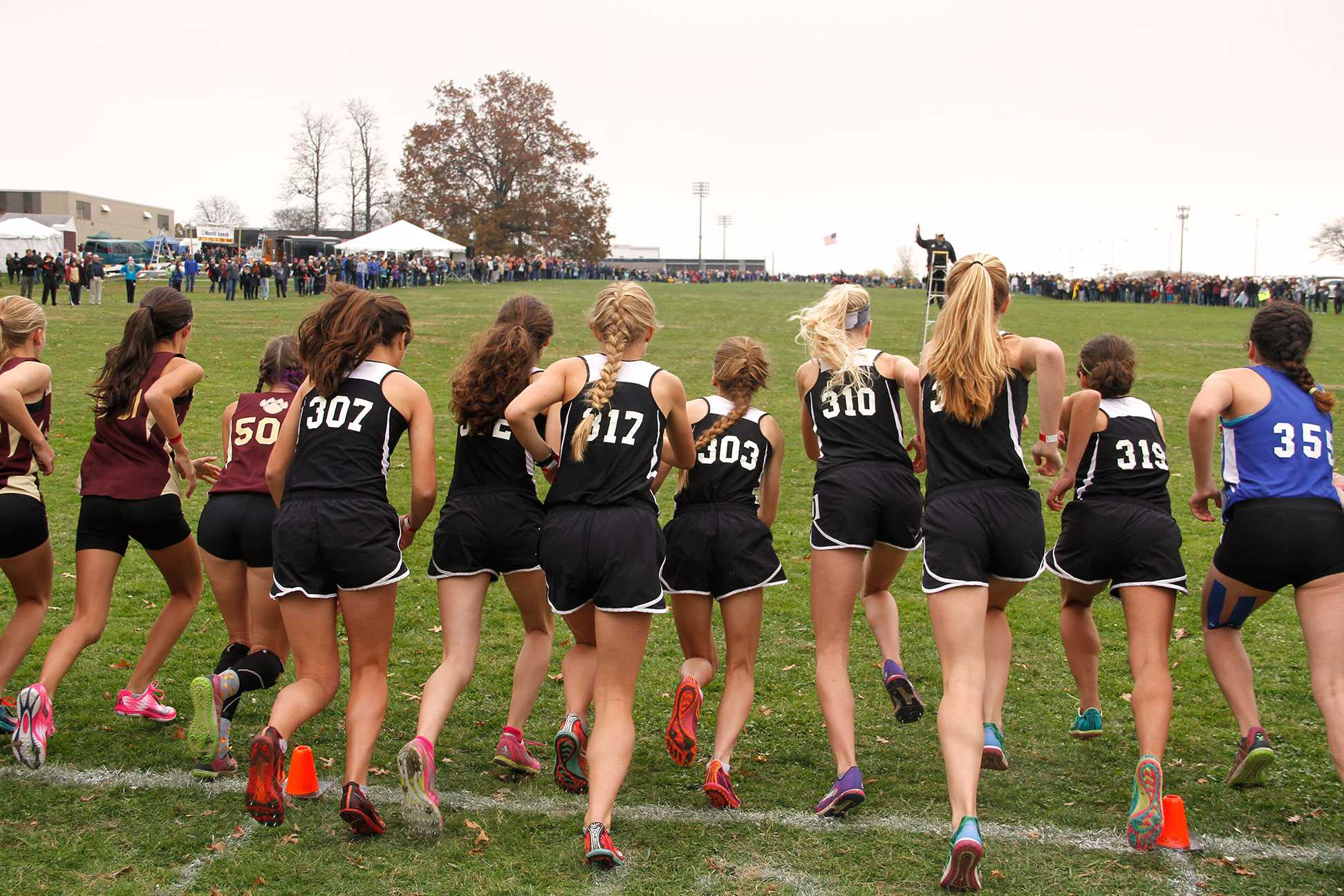 Women's cross country pushes off the starting line at the Youngstown Regional Championship Oct. 31.