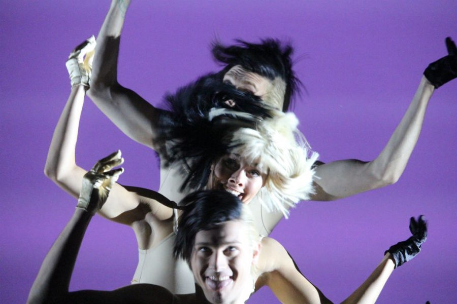 Sia%E2%80%99s+performance+featured+three+dancers+recreating+the+%E2%80%9Cperformance+edits%E2%80%9D+of+her+songs+while+she+sang+from+a+podium.+