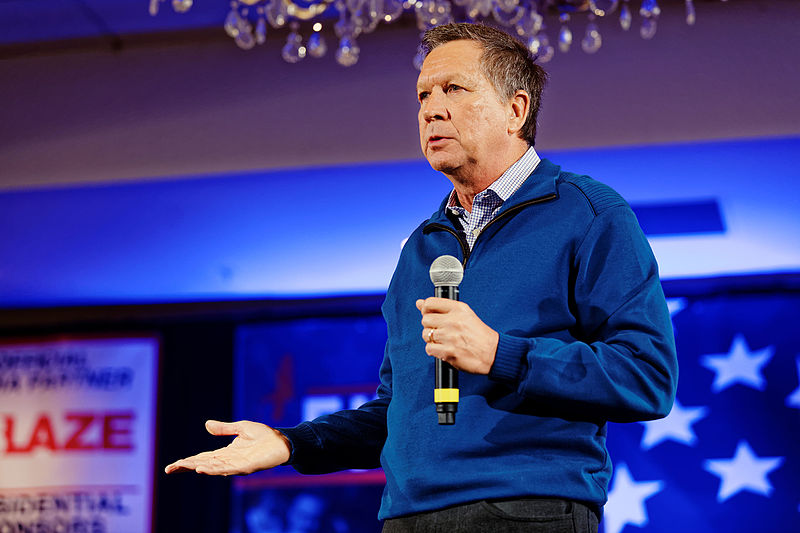 Ohio Governor John Kasich speaks at New Hampshire First in the Nation Primary event on Jan. 23, 2016.