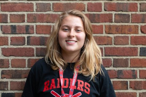 Mae Nagusky, Web Managing Editor