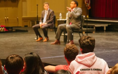 Students in the audience listen to Glasner and Wilkins speak at the Nov. 8 meeting.